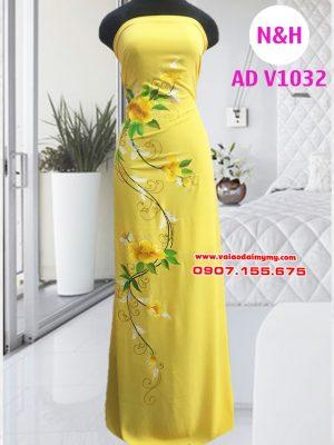 áo dài vẽ tay hình hoa màu vàng