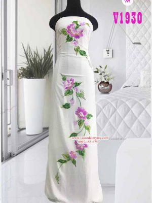Vải áo dài trắng vẽ hoa tím AD V1930