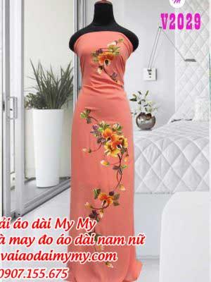 Vai Ao Dai Ve Chum Hoa Tren Duoi