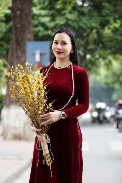 Vải áo dài nhung màu đỏ đô tươi 2