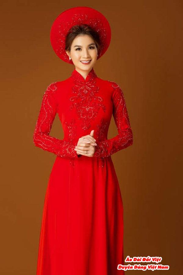 30 Mẫu Áo Dài Cưới Màu Đỏ Đẹp Hiện Nay 13