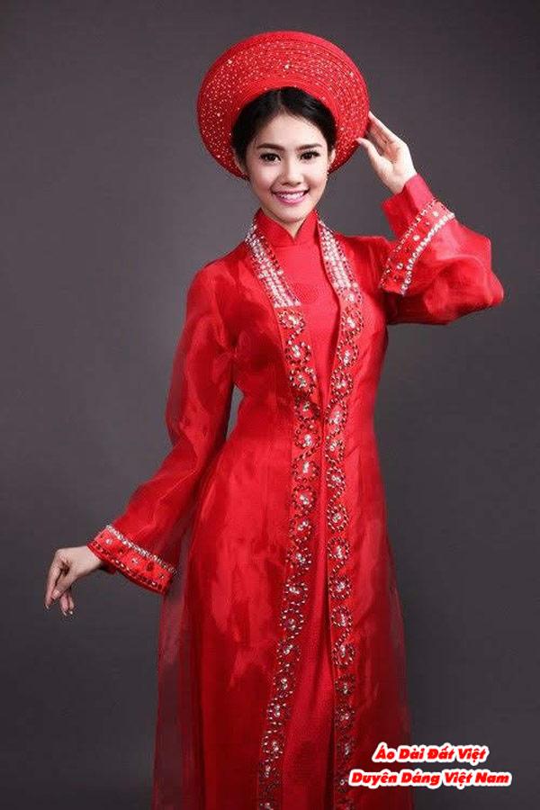30 Mẫu Áo Dài Cưới Màu Đỏ Đẹp Hiện Nay 20