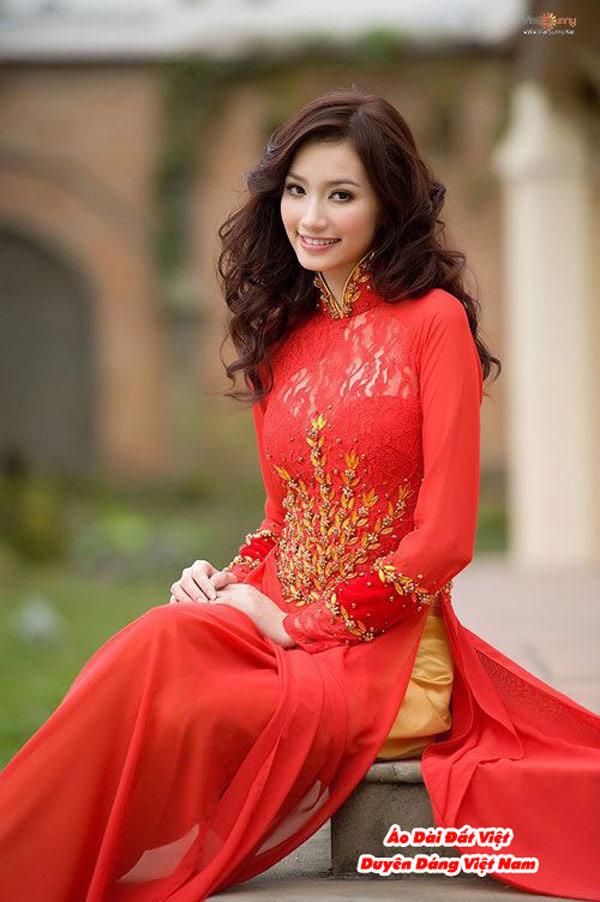 30 Mẫu Áo Dài Cưới Màu Đỏ Đẹp Hiện Nay 21
